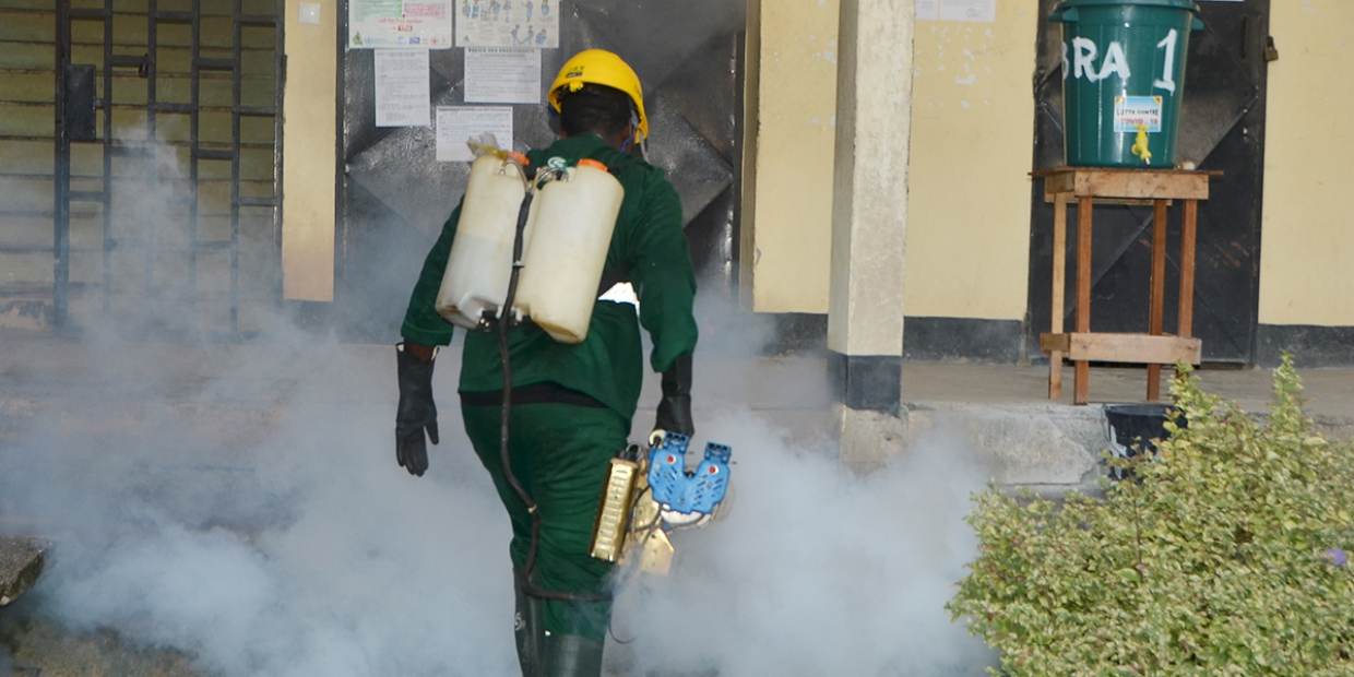 Fight against the COVID-19: Women Water and Environment Professionals in Cameroon disinfect a high school in Douala